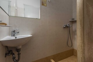 accommodation iliopoulou bathroom interior