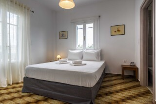 accommodation iliopoulou cozy bedroom