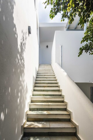gallery ilopoulou stairs